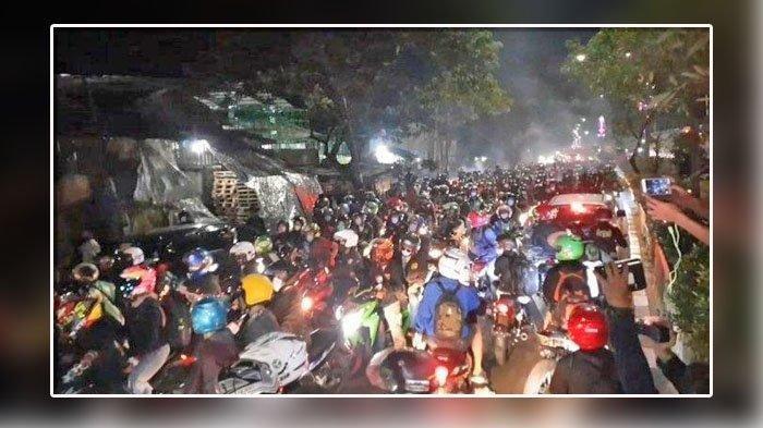 Ribuan Pemudik Jebol Posko Penyekatan di Bekasi, Polri: 'Mereka Akan Diperiksa di Pos Selanjutnya'