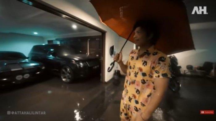Rumah Kebanjiran Sebetis, Atta Halilintar Takut Lamborghini Tenggelam: Kalo Rusak, Ganti Mesin Ribet