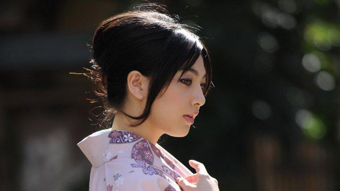 Saori Hara Stres Lawan Mainnya di Film Dewasa Jepang Seusia Bapaknya: Resign sebagai Bintang Porno
