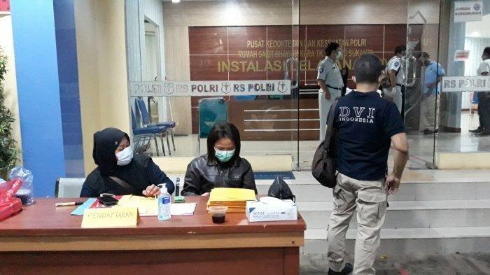 AKHIRNYA 1 Kantong Jenazah Korban Sriwijaya Air Tiba di RS: Keluarga Diharap Cepat Datang & Bawa Ini