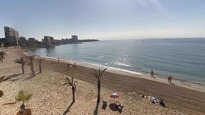 Seorang pria Irlandia, diperkirakan berusia sekitar 40 tahun, tenggelam di laut lepas pantai Albufereta, dekat Alicante (foto)