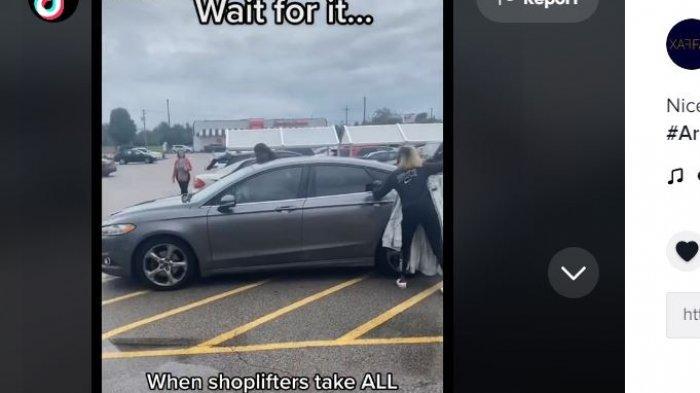 Seorang wanita diduga pencuri ditinggalkan temannya