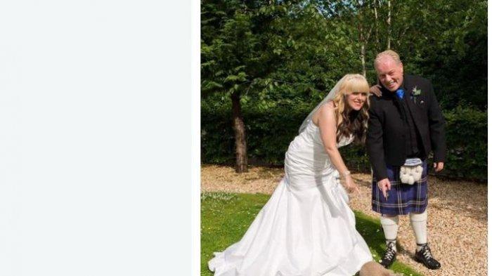 Seorang wanita menikah dengan pria yang usianya 24 tahun lebih tua darinya.