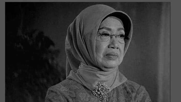 Luhut Binsar Kenang Sosok Ibunda Jokowi Hj. Sudjiatmi Notomihardjo Semasa Hidup, Dikenal Sederhana