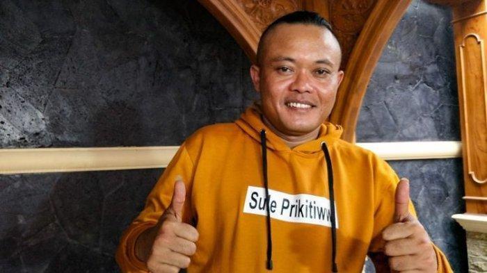 Artis komedi Entis Sutisna (Sule) saat ditemui di kediamannya di kawasan Tambun, Bekasi, Jawa Barat, Sabtu (17/11/2018).