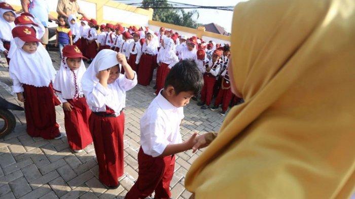KUNCI JAWABAN Tematik 6 Kelas 2 SD/MI, Bercerita Tentang Bagaimana Melaksanakan Piket di Sekolah