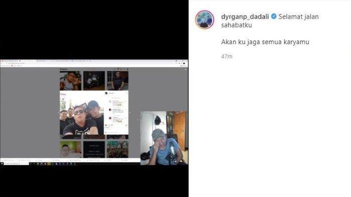 Tangis Dyrga vokalis Dadali saat melihat foto sang sahabat, Yuda yang telah tiada.