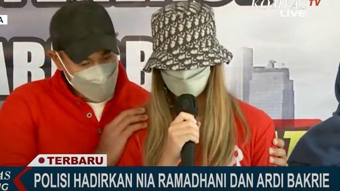 Pakar Soroti Tangis Nia Ramadhani, Singgung Kekesalan Pada Ardi Bakrie: Ada Rasa Enggak Terima