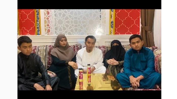 Taqy Malik bersama istri, ibu dan kedua adiknya angkat bicara soal kasus sang ayah.
