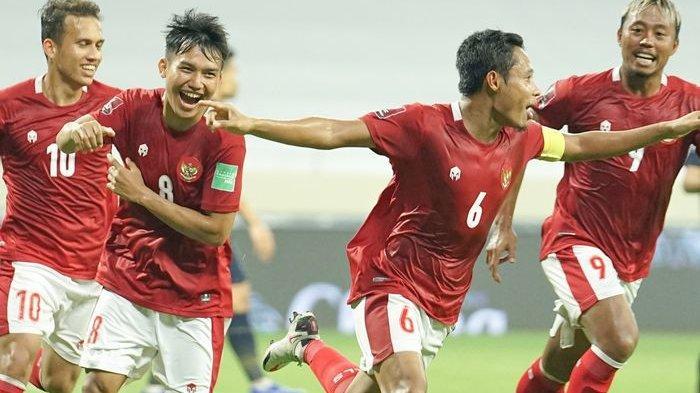 Selebrasi Evan Dimas usai cetak gol ke gawang Thailand dalam laga Kualifikasi Piala Dunia 2022 zona Asia grup G, di Stadion Al-Maktoum, Dubai, Uni Emirat Arab (UEA), Kamis (3/6/2021).