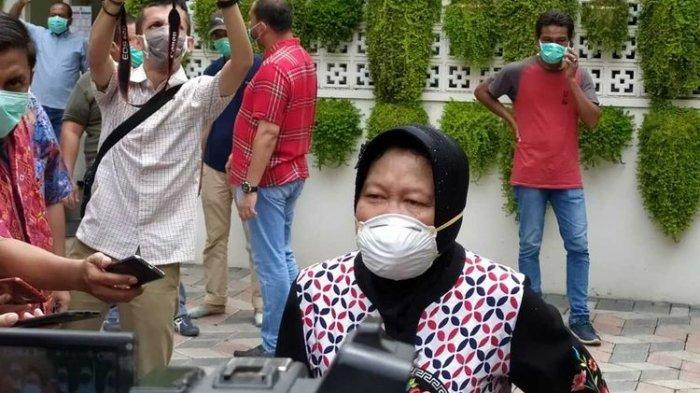 Wali Kota Surabaya Tri Rismaharini habis-habisan melawan Covid-19 di Surabaya (KOMPAS.COM/GHINAN SALMAN)