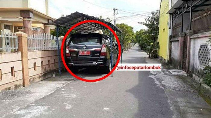 Viral Mobil Pelat Merah Parkir di Jalan Depan Rumah dengan Kanopi, Dishub Mataram: Itu Bukan Garasi