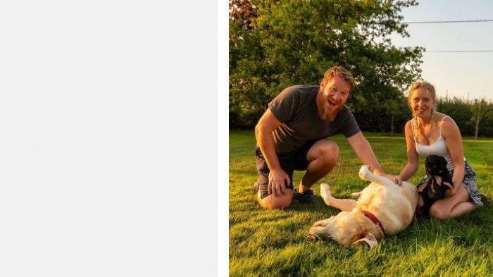 Viral pasangan jual rumah mereka dan tinggal bersama anjingnya di kendaraan