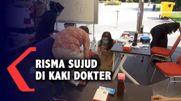 Viral Video Tri Rismaharini Menangis dan Bersujud di Kaki Dokter RSUD dr Soetomo, Berikut Alasannya