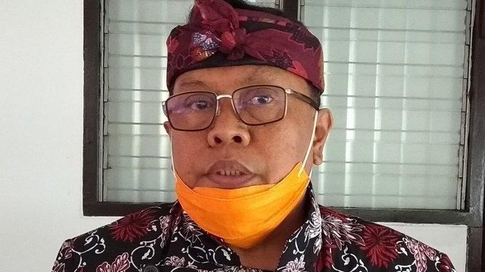 Wali Kota Blitar Nyanyi, Joget, & Bagi Duit di Atas Panggung Tanpa Kenakan Masker: 'Biar Tidak Sepi'