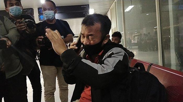 Rindu Suami, Arneta Terbang ke Pontianak dengan Sriwijaya Air Ajak 3 Anaknya, Kado Tak Pernah Sampai