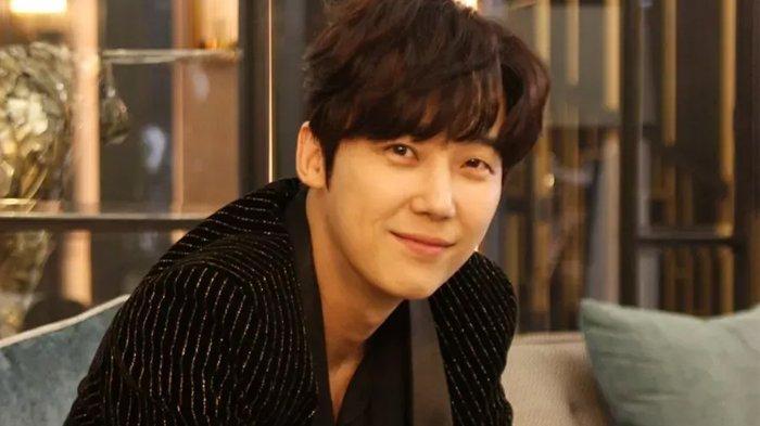 Siapa Sebenarnya Yoon Jong Hoon? Simak Biodata dan Perjalanan Karier Bintang Drama The Penthouse