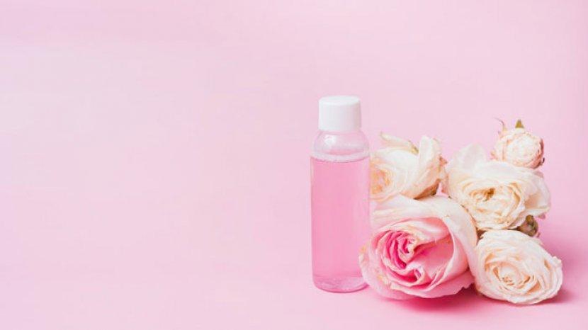 Wajah Glowing Bebas Jerawat Simak 3 Cara Menggunakan Air Mawar Untuk Kecantikan Bisa Jadi Scrub Tribunnewsmaker Com