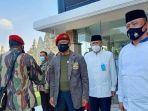 gatot-nurmantyo-bersama-sejumlah-veteran-melakukan-tabur-bunga-di-taman-makam-nasional-umum-kalibata.jpg