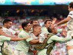 para-pemain-depan-spanyol-merayakan-kemanangan.jpg