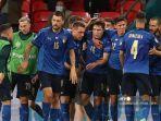 para-pemain-italia-merayakan-gol-pertama.jpg