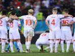 para-pemain-swiss-menyaksikan-adu-penalti-euro-2020.jpg