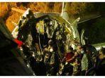 pesawat-boeing-737-patah-menjadi-dua-bagian-setelah-jatuh-tergelincir.jpg