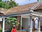 sebuah-rumah-di-desa-carangrejo-kecamatan-sampung-ponorogo-dibongkar-rabu-2362021.jpg