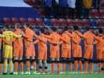 skuad-belanda-berbaris-sebelum-pertandingan-sepak-bola-semi-final-kejuaraan-u-21-uefa.jpg