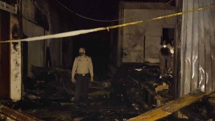 Kebakaran di Pasar Sungai Geringging Padang Pariaman, 3 Unit Toko Hangus Dilalap Api