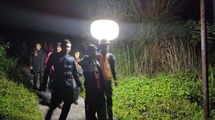 4 Pemuda yang Tersesat di Air Terjun Proklamator Lembah Anai Tanah Datar Berhasil Dievakuasi