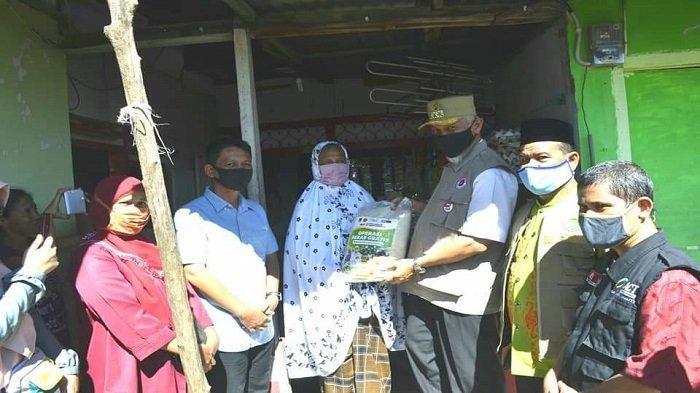 ACT Padang Serahkan Bantuan 10 Ton Beras Untuk Warga Terdampak Pandemi Covid-19