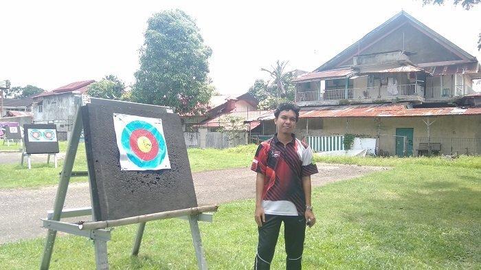 Aditya Persada, Rela Bolak Balik Padang Pariaman - Padang Demi Menyalurkan Hobi Panahan
