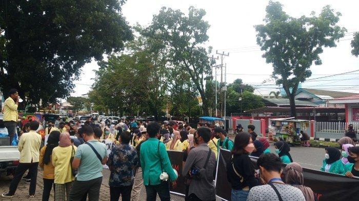 Demo di DPRD Sumbar, Minta Presiden, DPR dan MK Tanggung Jawab soal Pemecatan 57 Pegawai KPK