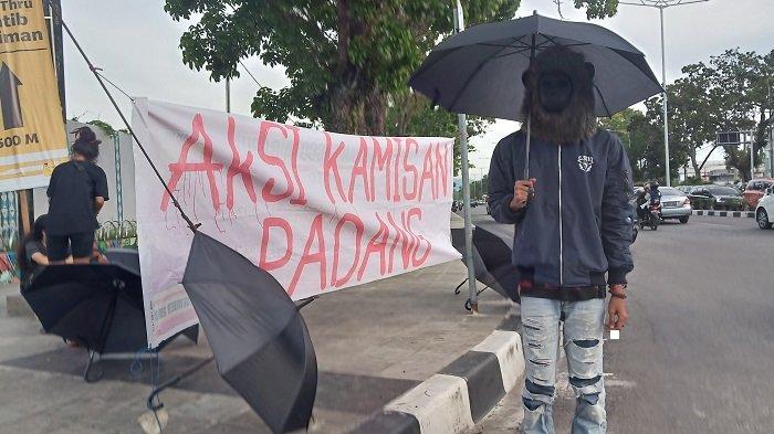 Aksi Kamisan, Soroti Kasus Pelecehan Seksual Mahasiswi PTN di Kota Padang