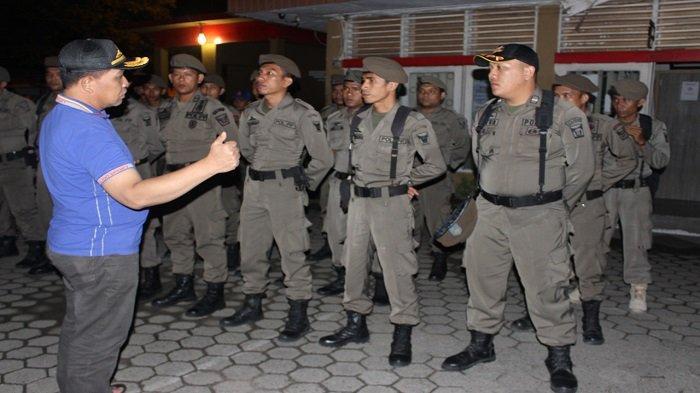 Satpol PP Padang Amankan 4 Perempuan tanpa KTP dan Sejumlah Botol Minuman Beralkohol