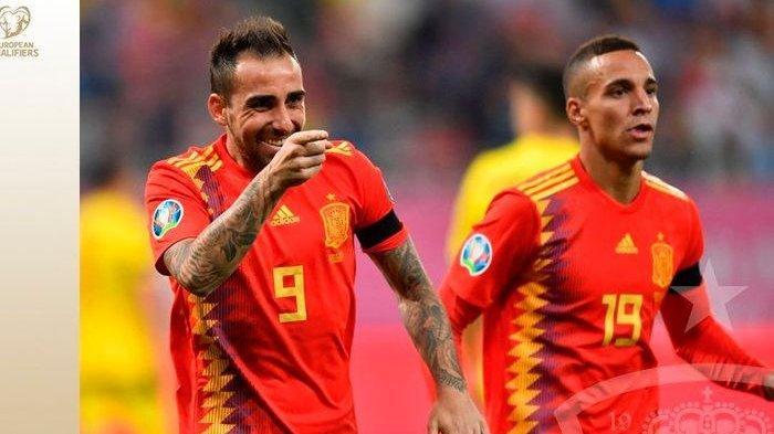 Striker timnas Spanyol, Paco Alcacer, merayakan gol yang dicetak ke gawang timnas Rumania dalam laga Grup F Kualifikasi Euro 2020 di Arena Nationala, Kamis (5/9/2019).