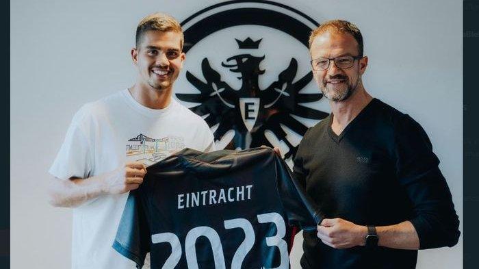 Andre Silva resmi direkrut permanen oleh Eintracht Frankfurt dari AC Milan.