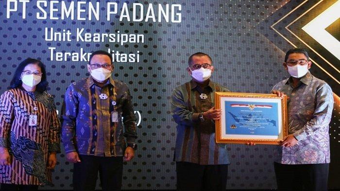 PT Semen Padang Kembali Meraih, Sertifikat Akreditasi A Kearsipan