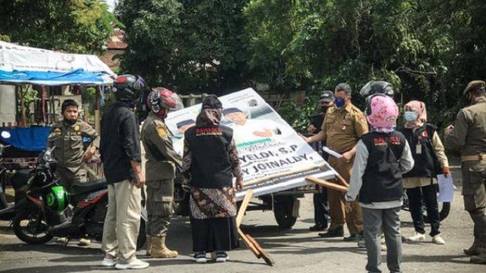 Bawaslu Padang Copot Ratusan APK Calon Gubernur Sumbar, Termasuk Baliho Pola Hidup Baru