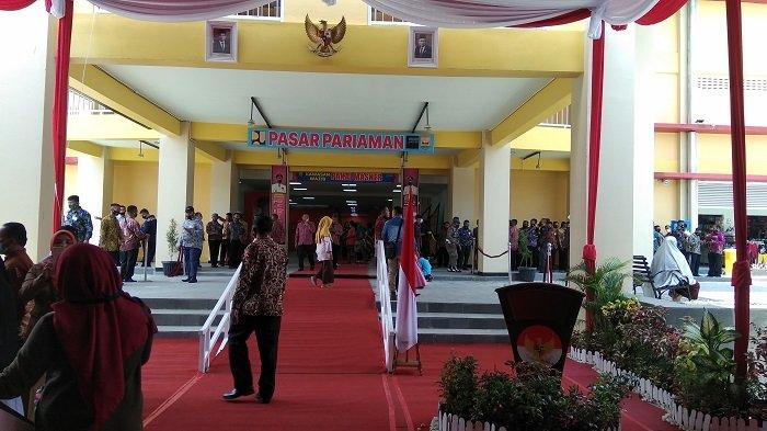 Wapres RI Tuntaskan Kunjungan di Kota Pariaman, Tanda Tangani Prasasti Pasar Rakyat dan GOR UNP
