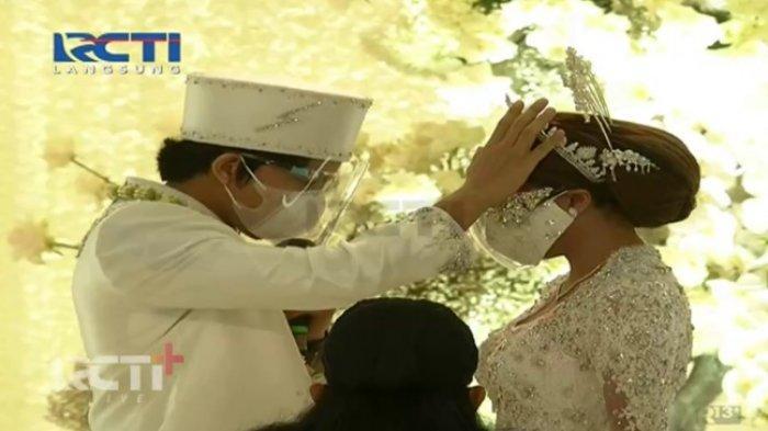 Atta Halilintar mendoakan Aurel Hermansyah.