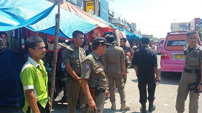 Satlantas Gabung Dishub dan Satpol PP Urai Kemacetan Di Pasar Raya Padang