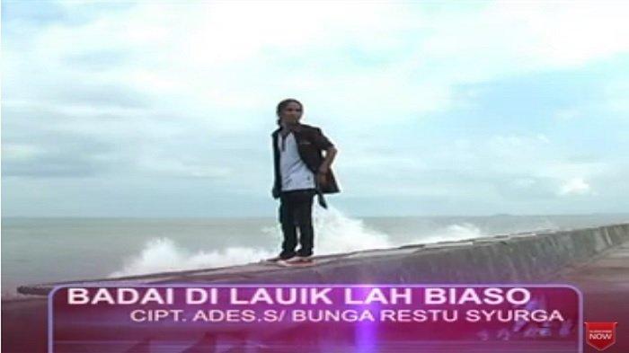 Lirik Lagu Minang Badai di Lauik lah Biaso - Ades Sadewa: Lai den tau diak jalan baduri