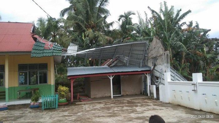 Badai Angin Kencang Landa Sebagian Pessel, BPBD: Update Musibah di Kecamatan Pancung Soal
