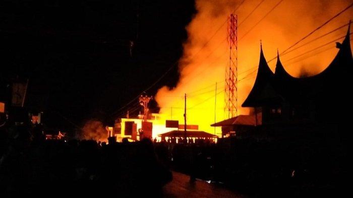 Ruko Studio Foto, Konter HP, Toko Alat Pancing di Tanjung Raya, Agam Terbakar