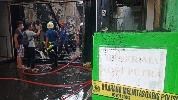Kebakaran di Jati Padang Hanguskan Kos-kosan hingga Laundry, Saksi Dengar 2 Kali Ledakan