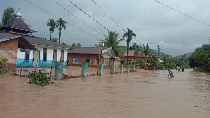 Korban Banjir di Ranah Ampek Hulu Tapan Butuh Pakaian Kering, Sembako dan Obat-obatan