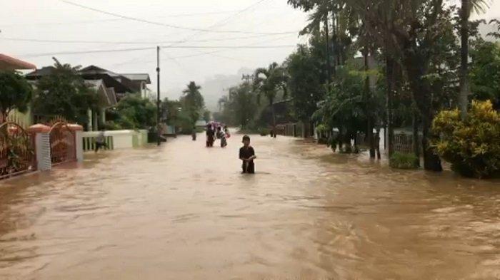 Hujan Kembali Turun di Kota Padang, BPBD Imbau Masyarakat yang Berada di Lokasi Rawan Banjir Waspada