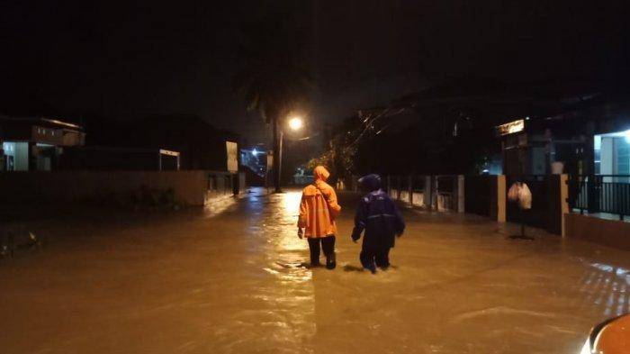Banjir Rendam 13 Kelurahan di Kota Solok, Warga Butuh Makanan Siap Saji dan Matras